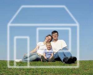 Молодая семья перед покупкой жилья