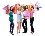 женщины с пакетами